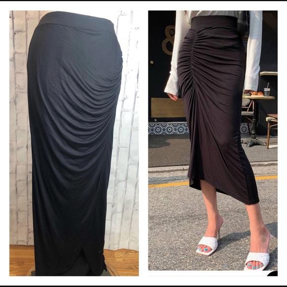 Worthington Dresses & Skirts - Black cinch gathered maxi skirt medium